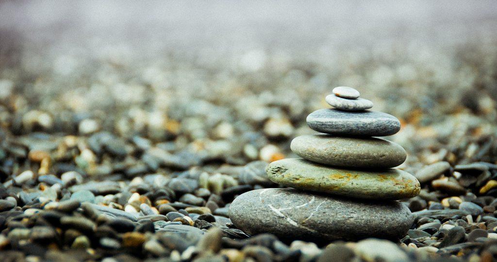 積み重ねた石