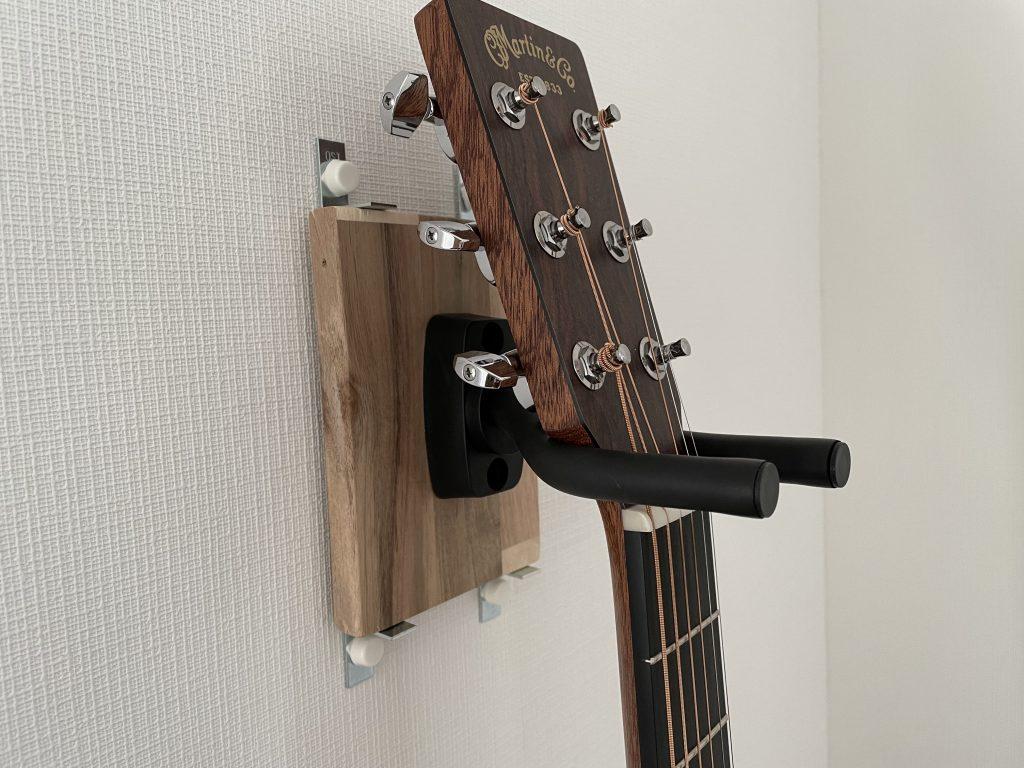 DIY壁掛けギターハンガー
