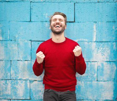 幸せは成功よりも前にある? ポジティブ心理学に学ぶ幸せが運ぶ成功の法則【前編】